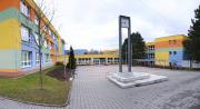 přední část školy